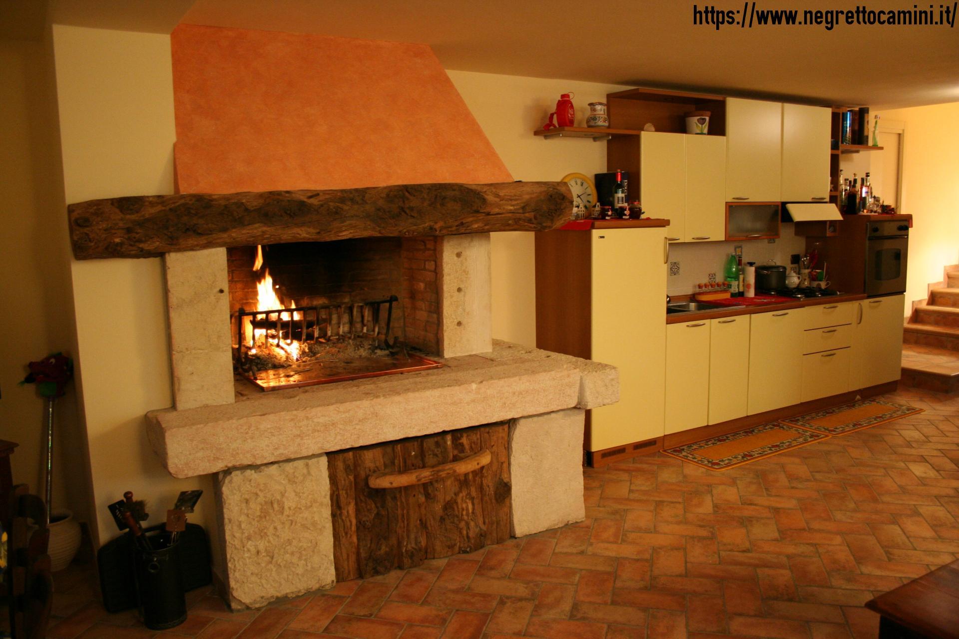 Camino tipico da taverna negretto camini d 39 autore - Camino per cucinare ...